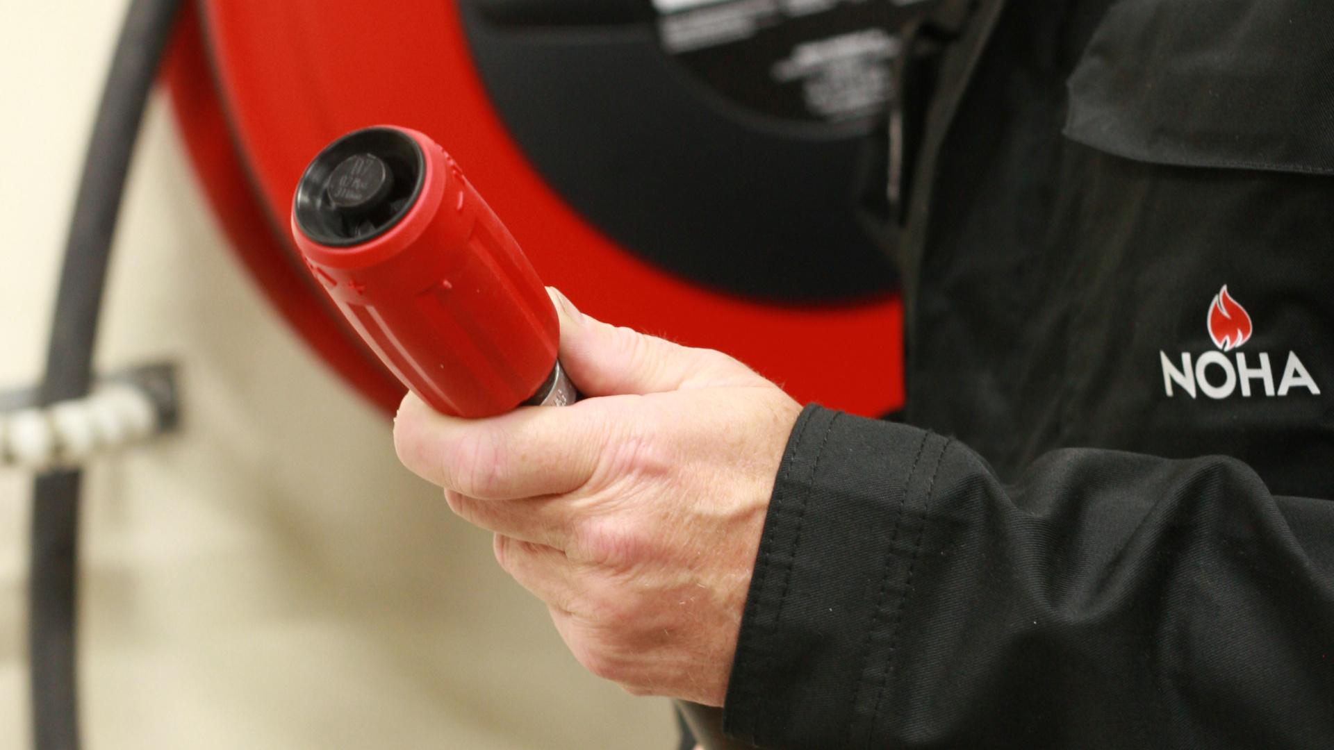 Kontroll og vedlikehold av brannslangetrommel
